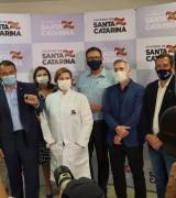 Doses da vacina Coronavac serão distribuídas nos 295 municípios de SC