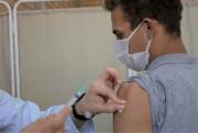 Segunda dose da vacina Coronavac acontece no Centro de Vacinação
