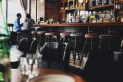 Venda de bebida alcoólica para consumo nos locais segue proibida a partir das 18h