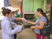 Equipes passam orientações em locais de Içara com aglomerações
