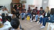 Atletas do sub-17 visitam Casa Maria Tereza