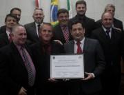 Legislativo concede Título de Cidadão Honorário e entrega Moções de Aplauso