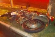 Adolescente fica gravemente ferido em acidente com moto