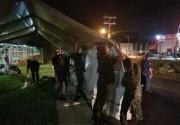 Exército monta tenda e presta auxílio aos Bombeiros