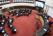 Deputados do PSD e PL criticam dispensas de licitação do Governo na SC Par