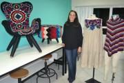 Estudante de moda cria peças e produtos com conceito sustentável