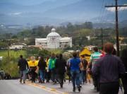 Caminhada e vigília marcam fim de semana de jovens da Diocese