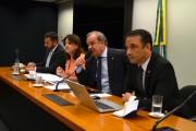 Bancada de SC ouve secretário de Saúde sobre atraso nos repasses