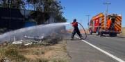 Incêndio atinge vegetação próxima de barreira entre Içara e Rincão