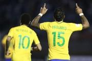 Brasil humilha Uruguai com golaços e põe um pé na Rússia