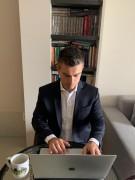 Moção visa redução de salários de deputados e servidores da Alesc