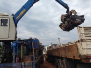 Veículos são prensados gerando 226 toneladas de material