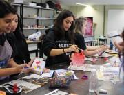 Cores tomam conta das aulas de cerâmica na Satc