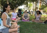 Domingo é dia de meditação na Praça do Congresso
