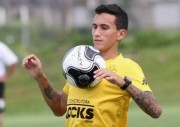 Criciúma confirma ida de Douglas Moreira para o Fluminense