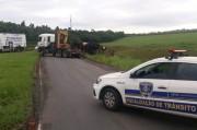 Anel Viário é bloqueado para retirada de veículo tombado