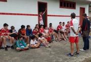 Jovens são avaliados para clínica de futebol no Paranaense