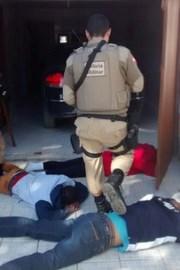 Trio é detido em Rincão após cometer assalto em Içara