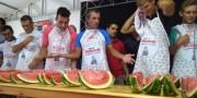 Família Estevam mantém título na Festa da Melancia