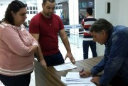 Moradores rejeitam destinação de imóvel para acampamentos