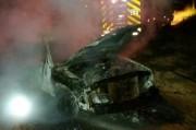 Caminhonete é destruída por incêndio em Linha Três Ribeirões