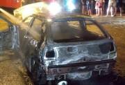 Veículo é tomado pelas chamas na Rodovia SC-445