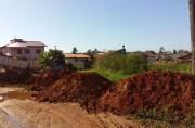 Moradores criam área esportiva no bairro Demboski