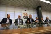 Governador Moreira anuncia desativação de secretarias