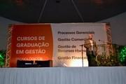 Clóvis de Barros fala para 1,5 mil pessoas em evento dos cursos de Gestão da Unesc