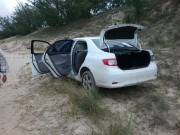 Carro roubado é encontrado em orla de Balneário Torneiro