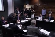 Mais uma PEC sobre aposentadoria de ex-governadores
