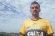 O lateral Márcio Goiano é liberado pelo Criciúma