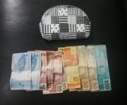 PM de Araranguá prende homem por roubo com ajuda da população