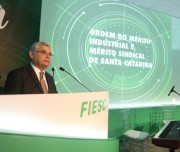 Moreira participa da entrega da Ordem do Mérito Industrial e Mérito Sindical