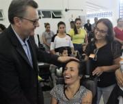 Governo do Estado entrega 150 cadeiras personalizadas a pacientes
