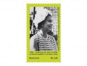 Correios lança selo que comemora os 50 anos da visita da Rainha Elisabeth II