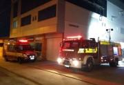 Incêndio destrói escritório no segundo andar de edificação