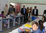 Governador e ministro da educação visitam escola em Joinville