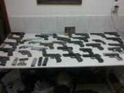 Mais de 30 armas falsas são recolhidas pela PM em Tubarão