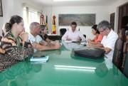 Servidores de Maracajá entregam lista de reivindicações à administração