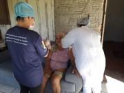 Vacinas contra gripe H1N1 aplicadas em idosos acamados em Maracajá