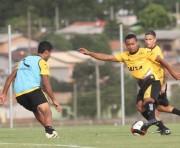 Alex Maranhão deve renovar contrato com o Criciúma
