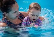 Especialista chama a atenção para a importância da natação infantil