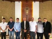 Padres com até cinco anos de ordenação se encontram com Bispo