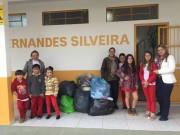 Alunos da escola de Sanga Funda entregam doações a FAI