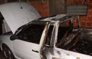 Incêndio em carro e casa pode ter sido criminoso