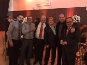 Sandro Serafim e advogados comparecem em casamento