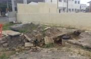 Moradores reclamam de ligação de esgoto em lanchonete