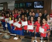 Câmara homenageia esportistas associações e dirigentes