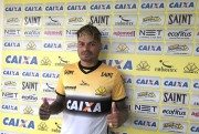 Tigre apresenta oficialmente o zagueiro Fábio Ferreira